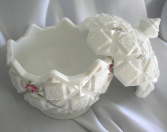 Old Quilt Pattern Covered Milk Glass Jardiniere Dish - Signed WESTMORELAND GLASS - Vintage 1940 - 1960