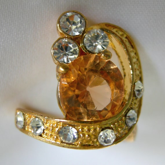 Faux Topaz & Faux Diamond Cocktail Ring in Gold Tone Setting - Unsigned - Vintage