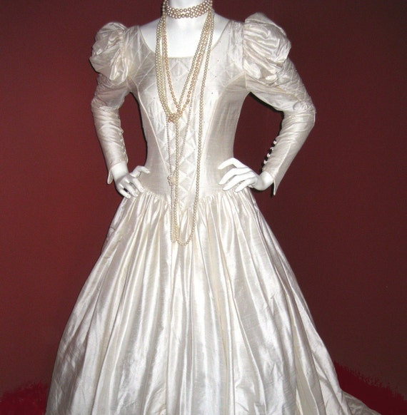 Renaissance Festival Wedding Dresses: Items Similar To Silk Couture Renaissance Wedding Dress