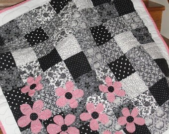 Easy Quilt Pattern - Spring is Here (PDF) INSTANT DOWNLOAD