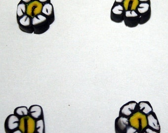 Charming Hand-Made Daisy Buttons