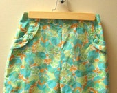 Vintage 1960's High Waisted Citrus Shorts, Size Small