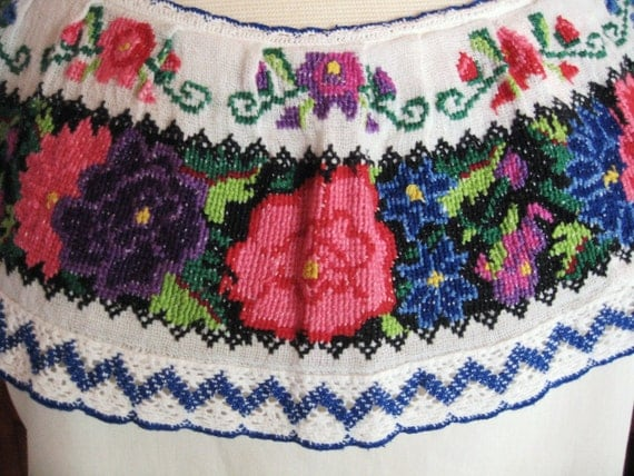 Vintage 50s 60s Mexican Embroidered top/ Boho/Hippie/Folk Art