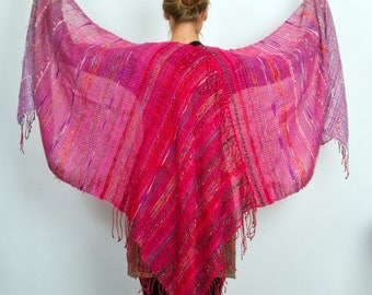 Hand woven Cashmere & Mohair shawl in Pink to Red  (4023)