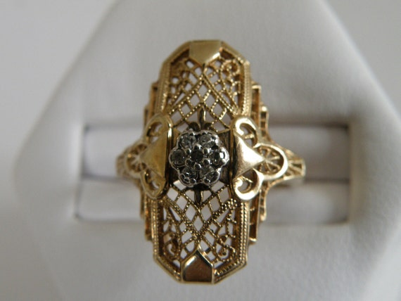 Art Deco 10K Gold Filigree Diamond Ring - .21 carat diamond   Size 5 1/2 U.S.