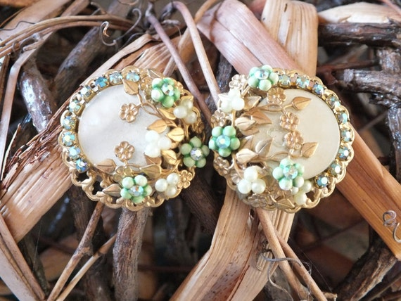 Vintage Gold Tone and Green Clip On Earrings