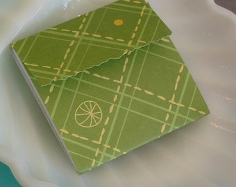 Mini Matchbook note pad 2x2 25 sheets no staple: green and yellow