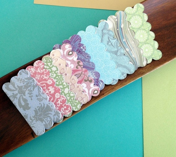 Scallop patterned enclosure cards 20