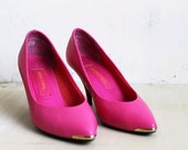 PRICE REDUCED vintage 1980's hot pink glam pumps with gold detail