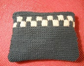 Knit Checkered Make-Up Bag