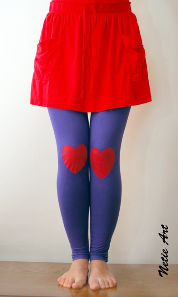 Red heart hand PAINTED leggings in violet / lilac