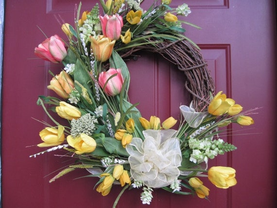 Yellow and Coral Tulip Wreath, Spring Wreath, Grapevine Wreath, Easter Decor, Mother's Day, Front Door Wreath, Outdoor Wreath, Mother's Day