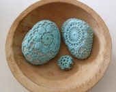 PrimiTive Folkart 3 Turquoise Crochet Beach Stones  Beacon Hill Collectibles Art