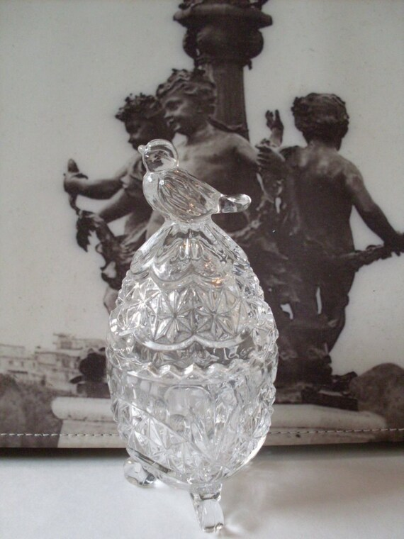 Beautiful Glass Egg dish with Bird Topper  Beacon Hill Collectible