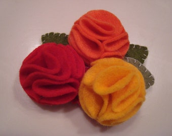 Triple flower hair clip.