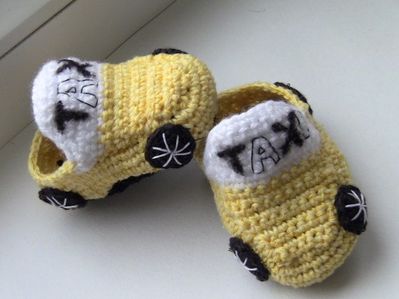 "SALE - READY To SHIP - Handmade knitted baby boy shoes, baby booties ""Taxi, baby boy gift, baby shower gift"