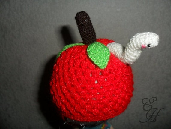Hat Crochet Apple with worm