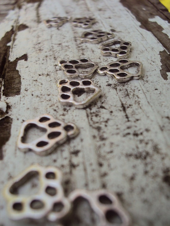 Paw Print Charms- Silver Dog & Cat Paws- Wolf Paw Print- 20 Pieces Jewelry Supplies (2:18)
