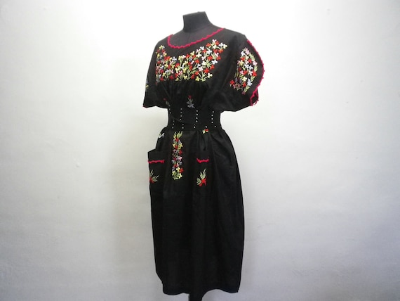 Black Long Dress Vintage Embroidered Flowers Clothing