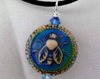 mood bead bee pendant