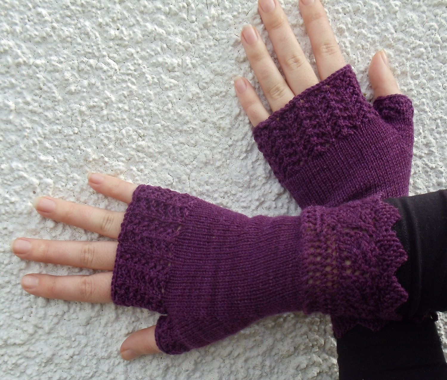 Fingerless Gloves Knitting Pattern with free by TheWoollyKnitter