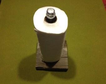"Industrial Iron Pipe Paper Towel Holder' - ""Maximus"""