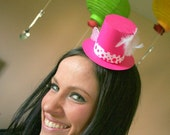 Paper top hat fascinator party or shower favors for goskategirly