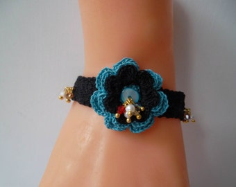 Black and Blue Crochet - Handknitting Bracelet witg Freshwater Pearls and Crystals - Special Design