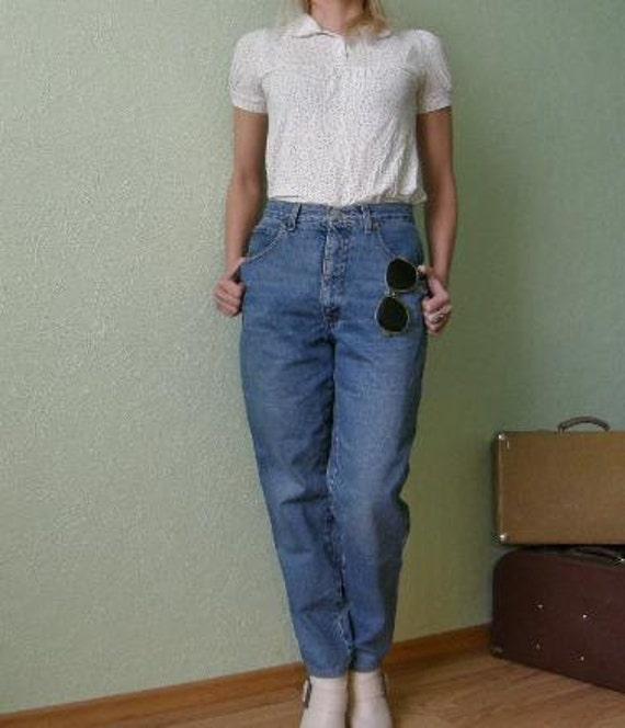 Giorgio Armani high waist vintage denim jeans from 1980's. Size 30 Chic high rise mermaid cut designer pants..