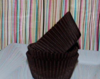 cupcake liners - 50 count - Brown  cup cake liners, baking cups, muffin cups, standard size, grease proof