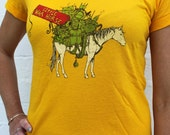 Gold WW1 Horse with Gear T-Shirt (Womens)