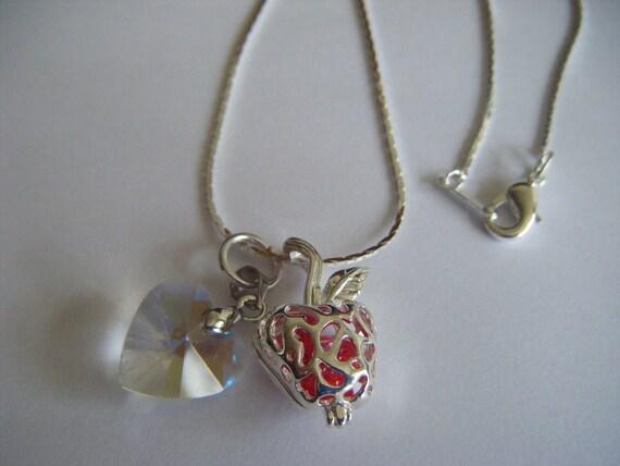 Twilight Iconic Apple Forbidden Love Locket Bella Edward's Heart Necklace