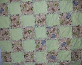 NEW Baby  Rag Quilt / Banket    45 x 40