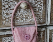 """Hand Felted """"Pastel Pink"""" handbag with heart buttons, for Blythe or similar......."""