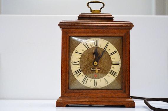Small Vintage Seth Thomas Clock