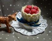 Wool felt raspberries charlotte (cookie)