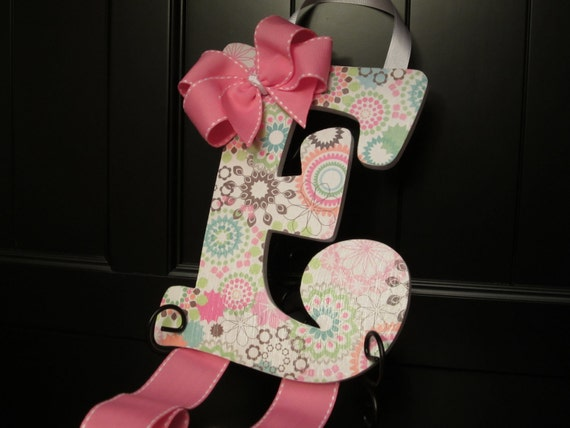 ebow the letter pink hair bow holder letter e 21439