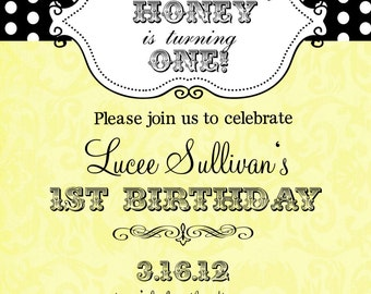 12 Bumble Bee Birthday Party   or Baby Shower invitations with envelopes