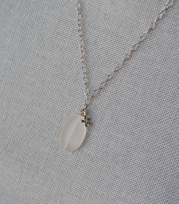 The Abril Necklace
