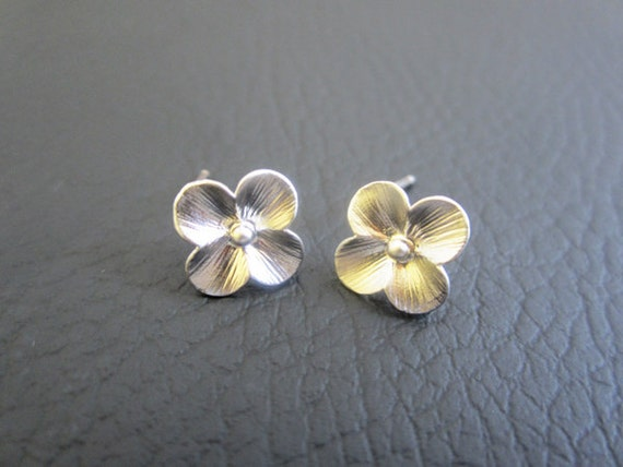 SALE - Mini cherry flower earrings, studs earrings, silver flower earrings.