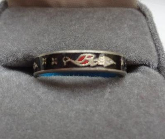 VINTAGE Chinese Ladies' Ring with blue enamel lining - Free Shipping in US