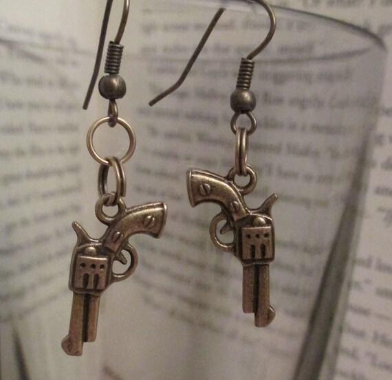 Gun Earrings Pistol earrings steampunk earrings lolita kawaii emo scene jewelry hook geekery