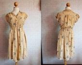 Vintage Dress / Cream / Blue / Floral / Flower / Medium