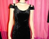 1990s  rare vintage black velvet off the shoulder dress official CATWOMAN collection