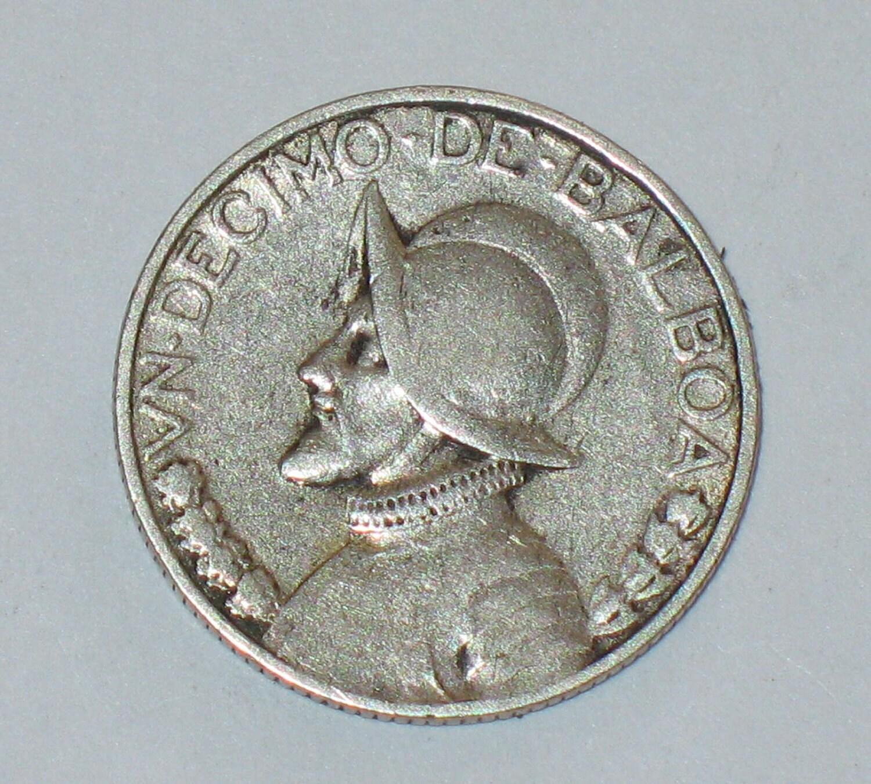 Vintage 1947 Panama Un Decimo De Balboa Silver Coin 10 Cent