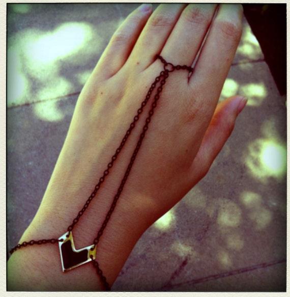 LAST Black Chain Maille Gold Arrow V Pendant Bracelet Ring Hand Harness