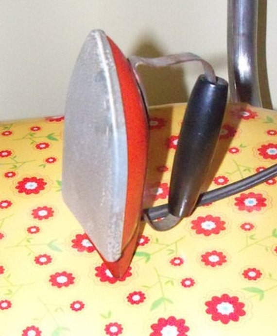Vintage Childs Size Sunny Suzy Red Working Iron