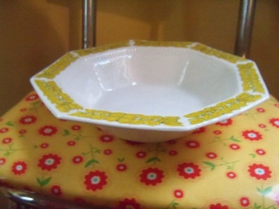 """Yellow Independence Ironstone Interpace Japan 9"""" Serving Bowl"""
