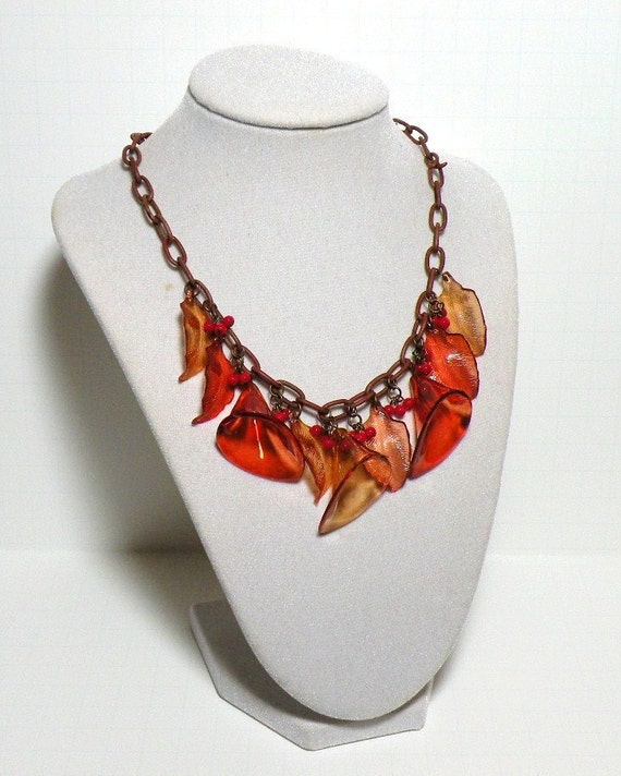 """Circa 1940's Celluloid Necklace """"Spring Bouquet"""" Cala Lily Floral Pin Up Girl Necklace"""