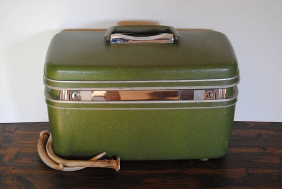 Avocado Green Samsonite Train Case - Mid Century Modern Travel Luggage Suitcase Home Decor Collectable Jewelry Box Makeup Case